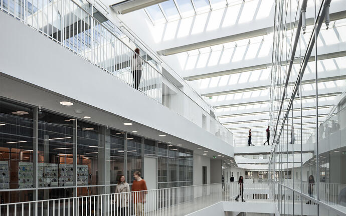Daylight vs electric light – do they affect learning environments?